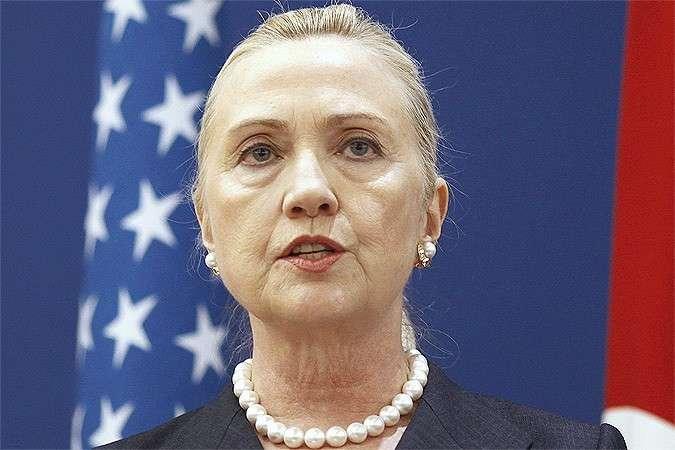 Старушка Клинтон обвинила Россию в спонсировании киберпреступников