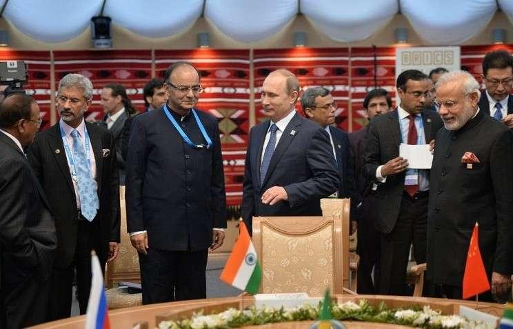 Владимир Путин открыл первое рабочее заседание лидеров БРИКС