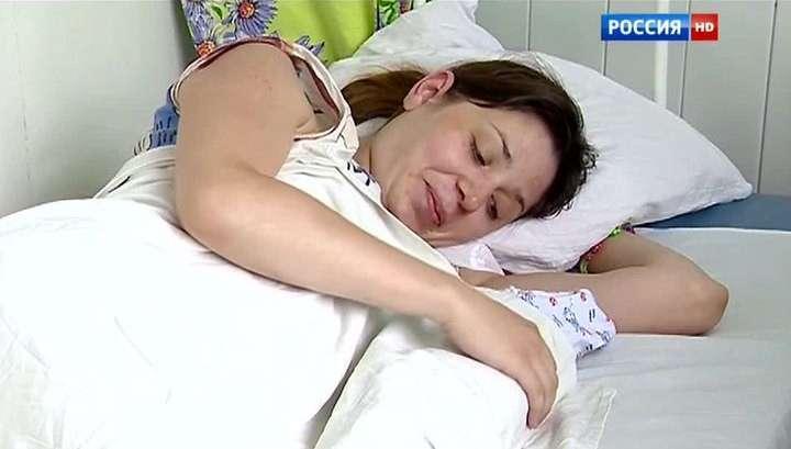 После родов на пороге больницы в Челябинске уволят зама главврача и охранника
