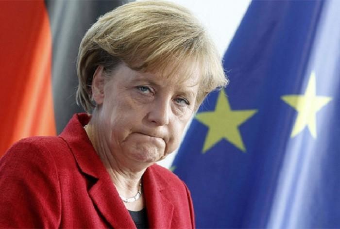 Евросоюз заставляют расширяться, в то время как он может просто развалиться