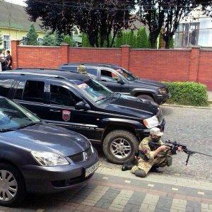 Дмитрий (Авдим) Ярош призвал свою банду «Правый сектор» продолжать нападение до отставки Авакова