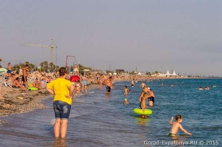 Ситуация на пляжах в Крыму, Евпатория, июль 2015