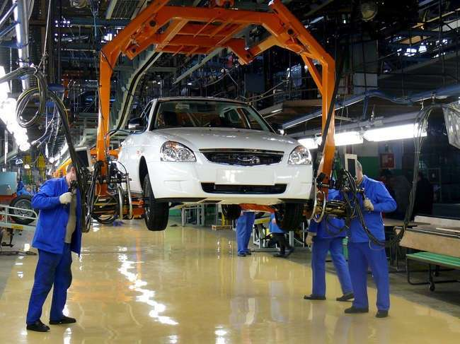 Lada Priora начали собирать на новом конвейере - Фото 1