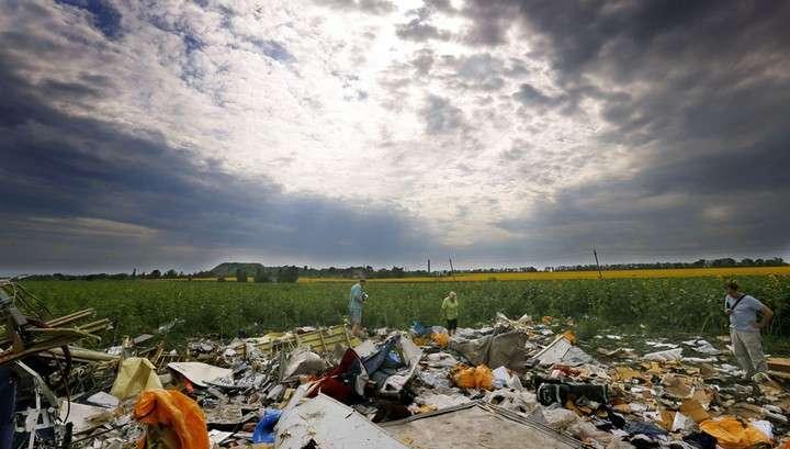 Boeing под Донецком сбили иностранной ракетой воздух-воздух