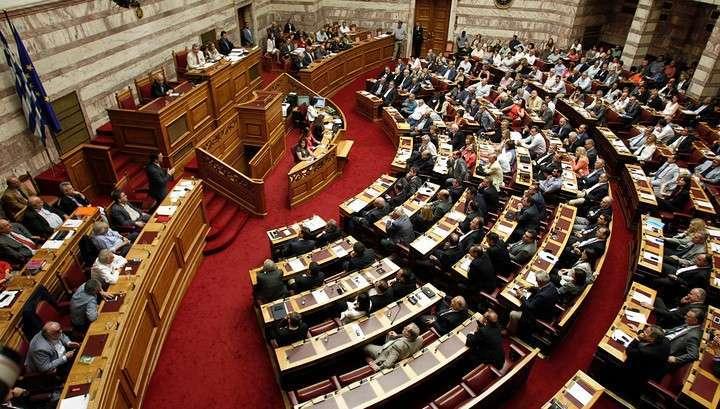 Грецию вынудили пойти навстречу кредиторам-грабителям