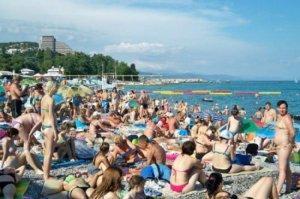 Российский Крым без вопросов приютил украинцев