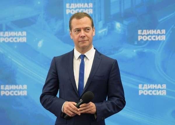 Премьер Медведев впервые поведёт «Единую Россию» на выборы в Госдуму