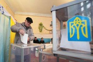 Николай Азаров считает, что Хунта будет узурпировать и местную власть