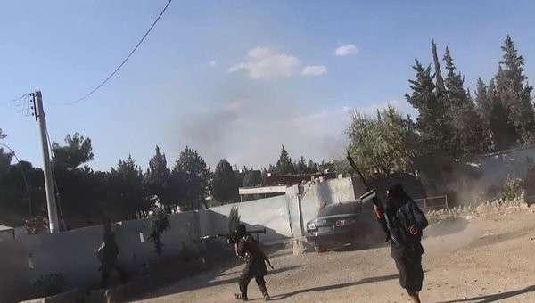 Боевики Исламского государства в городе Кобани, Сирия. Архивное фото