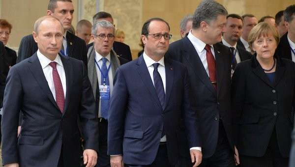 Президент России Владимир Путин, президент Франции Франсуа Олланд, президент Украины Петр Порошенко и канцлер Германии Ангела Меркель. Архивное фото