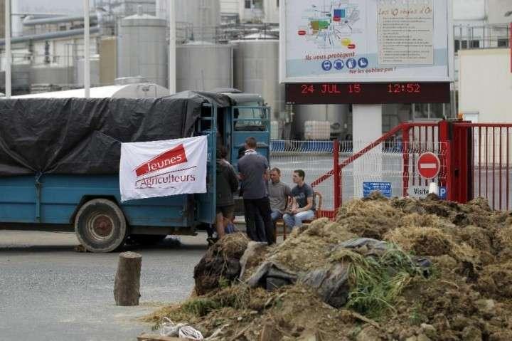 Французские фермеры заблокировали ввоз продуктов из Испании и Германии