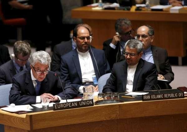 Евродепутаты выступают против войны санкций между Москвой и Брюсселем