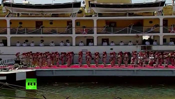 Официальная церемония открытия нового русла Суэцкого канала — прямая трансляция