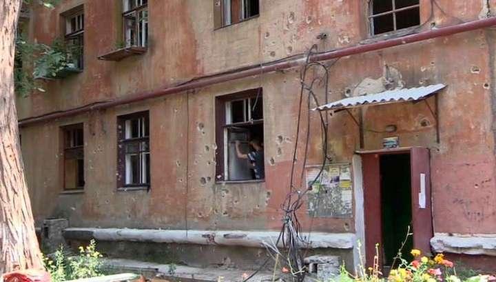 Донецк снова под обстрелом карателей Хунты: есть разрушения и раненые