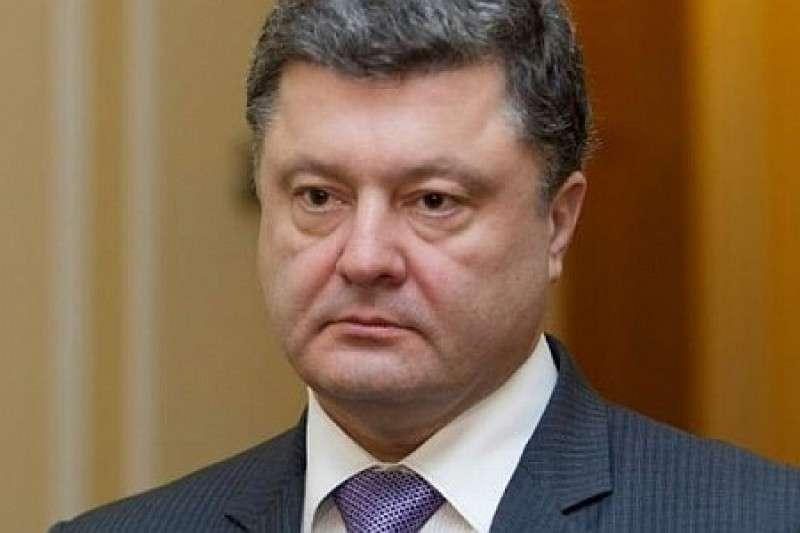 Клоун Порошенко обрадовал немцев: в следующем году мы к вам приедем без виз