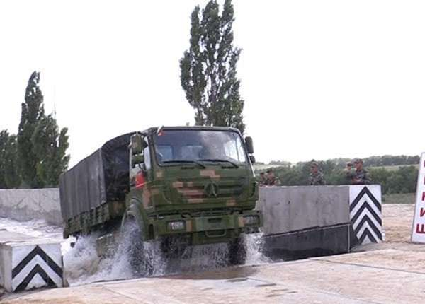 Передвижные мастерские из КНР заинтересовали российских военных