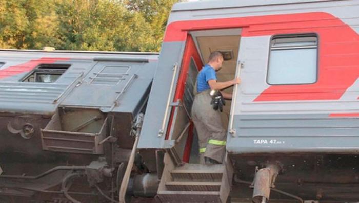 Пассажирский поезд в Мордовии сошёл с рельсов из-за уширения пути