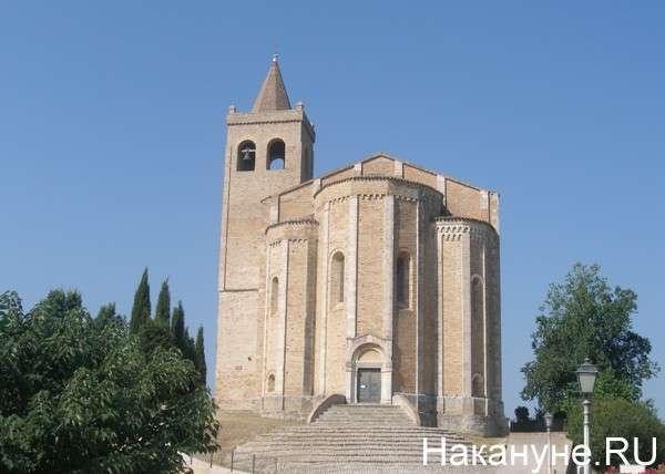 церковь, Италия, Оффида Фото: Накануне.RU