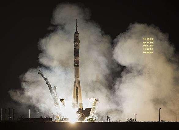 США не хотят видеть в космосе Россию и Китай