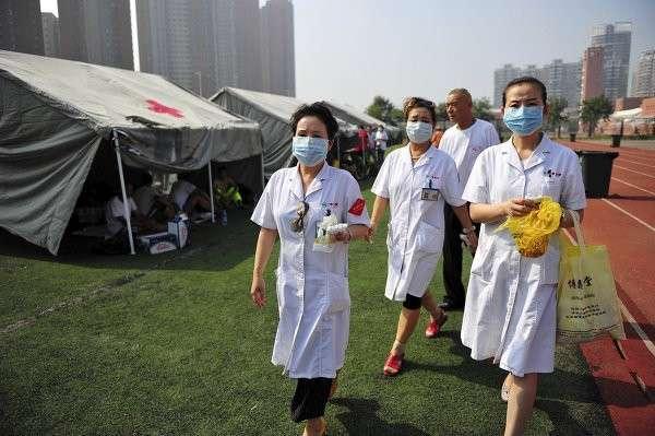 Мощный взрыв в Тяньцзине: десятки погибших, сотни раненых