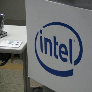 Intel представил накопитель, превосходящий флэш-память в 1000 раз