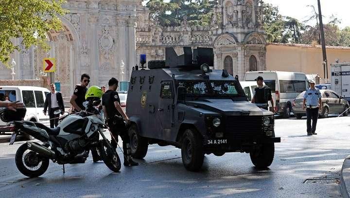 Взрыв и стрельба в Турции: убиты 8 солдат, ранен полицейский