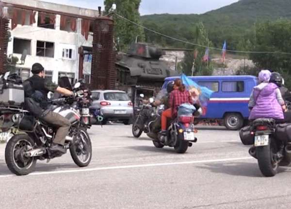 Сотни байкеров приехали в Севастополь на грандиозное шоу