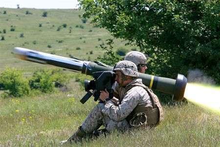 «Миролюбивые» военные учения НАТО: Запад готовит десантников для Украины?