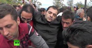 Полиция Македонии применила против мигрантов слезоточивый газ