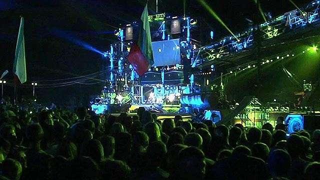 Байкеры во всей России и из-за рубежа приехали в Севастополь на юбилейное байк-шоу