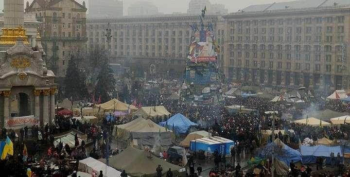 Майдан поставил ультиматум: если утром Янукович не уйдет - народ пойдет на штурм