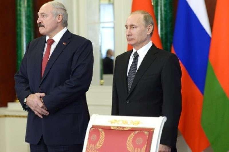 Почему Лукашенко наш человек? Потому что умный!