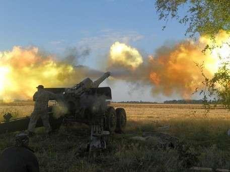 Каратели начали наступление на Белую Каменку в Донбассе
