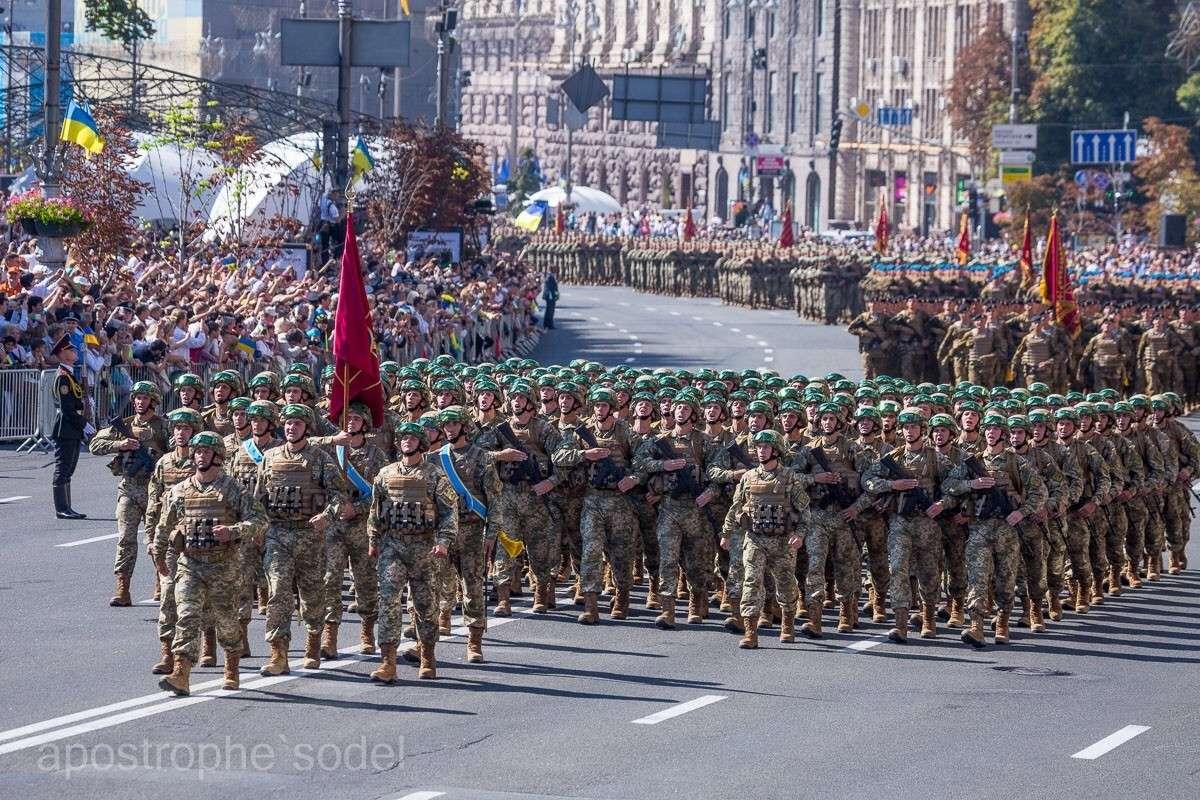 У карателей после парада в Киеве забрали новую форму