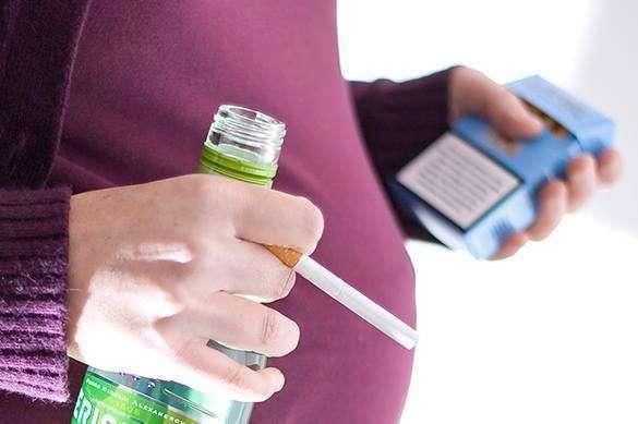 России надо решить вопрос с алкоголем и курением