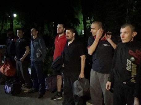 Киевские каратели пытали возвращённых ДНР пленных ополченцев