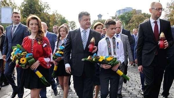 Порошенко создаёт новую «Партию регионов», поглощая политсилы Кличко и Яценюка