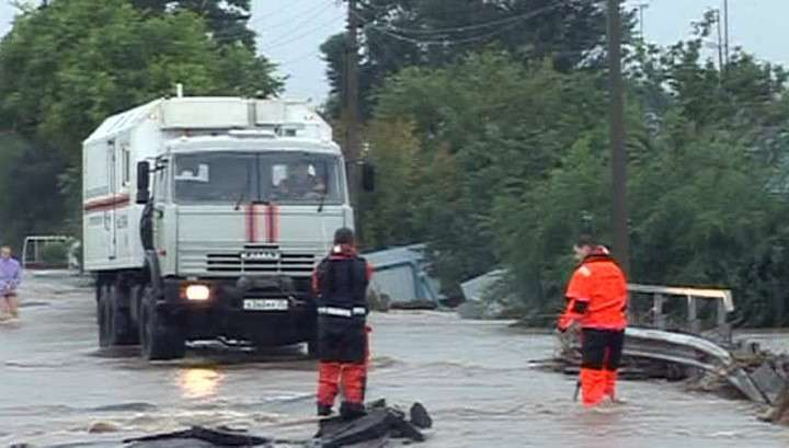 Большая вода в Приморье уносила заборы и сараи с животными