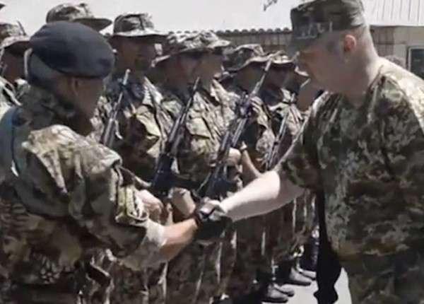Турчинов «заказал» спецназовцам привезти Захарченко в пакете