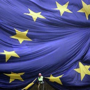 Сионистская верхушка ЕС согласится на убытки от санкций США ради мифа об агрессии России