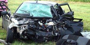Украинский БТР раздавил машину с людьми под Мариуполем