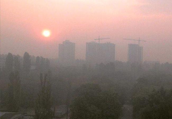 Едкий дым окутал Украину, среди населения растёт паника