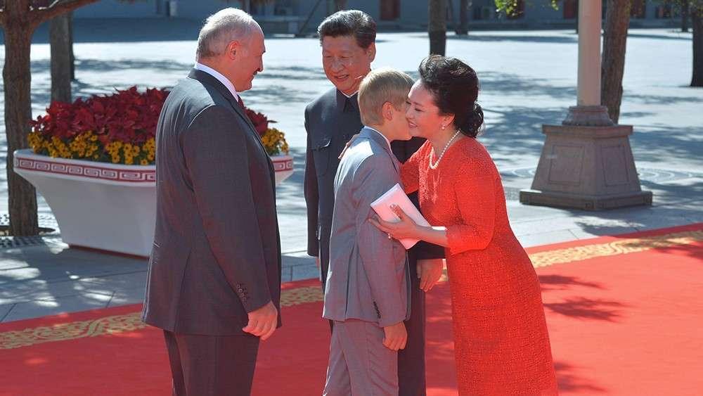 Китайцы очарованы «маленьким принцем» Колей - сыном Александра Лукашенко