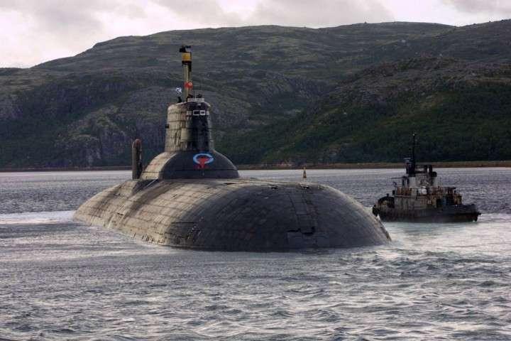 ВМФ РФ вывел на учения самую большую атомную подлодку в мире
