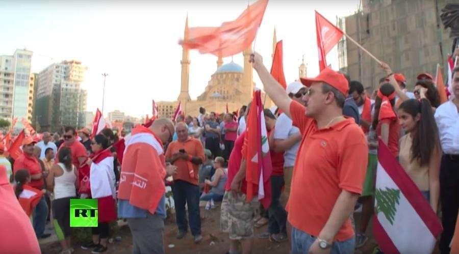 Бейрут требует перемен: на улицах ливанской столицы не утихают протесты