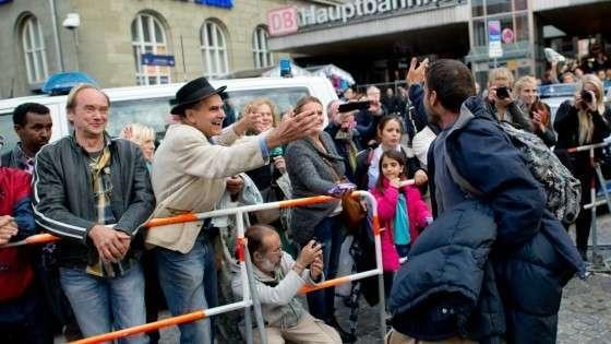 Европейцы повизгивают от удовольствия, встречая своих палачей