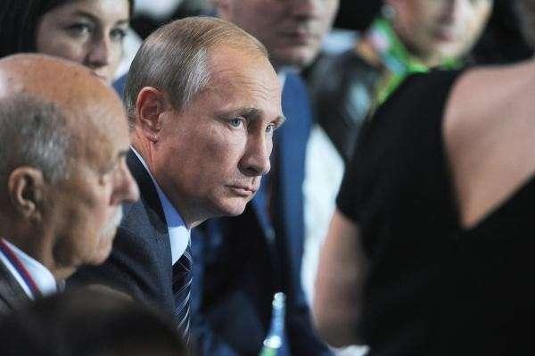 Владимир Путин раскритиковал лечащихся за рубежом чиновников