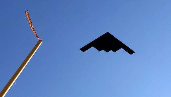Бомбардировщик B-2. Архивное фото