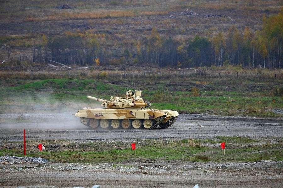 Демонстрационный бой в рамках выставки вооружений и военной техники RAE-2015 — прямая трансляция