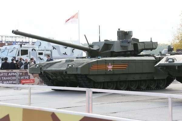 Первые фотографии «Арматы» на Russia Arms Expo 2015